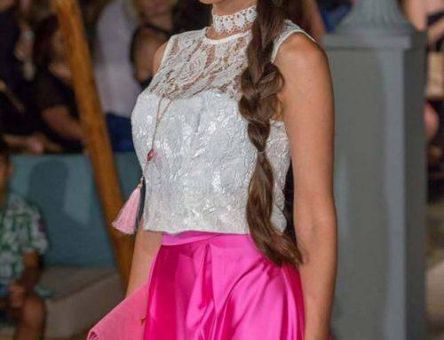 Πλεξίδες, σινιόν και waves κυριάρχησαν στην επίδειξη μόδας στη Χαλκίδα